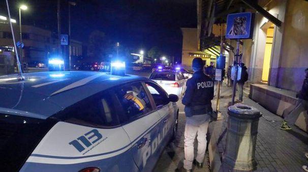 Agenti alla stazione di Monza