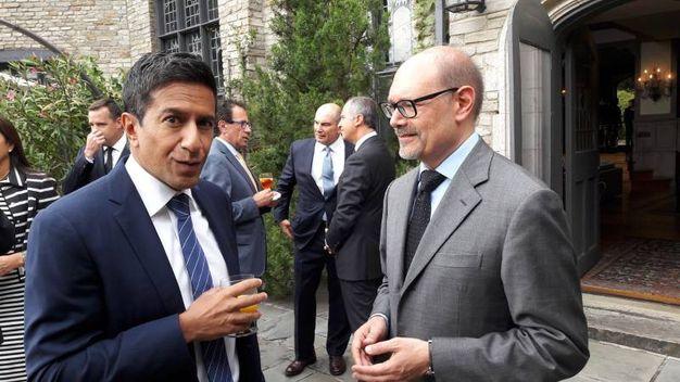 Il dottor Sanjay Gupta con Gabriele Cavalera
