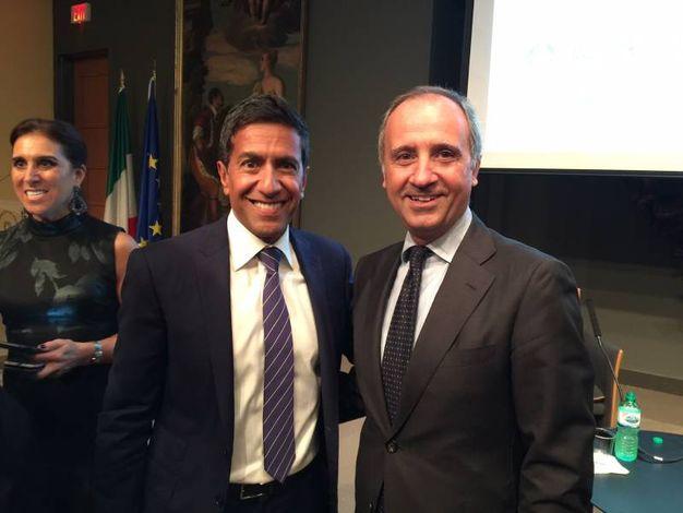 il dr Sanjay Gupta con Armando Varricchio