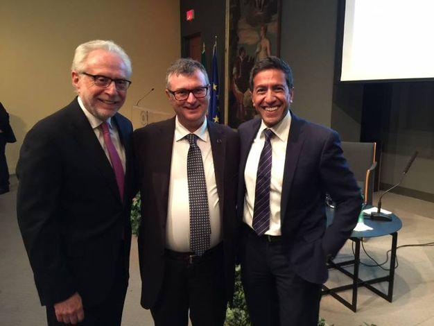 Da sinistra, Wolf Blitzer, Giovanni Lani e il dr Sanjay Gupta