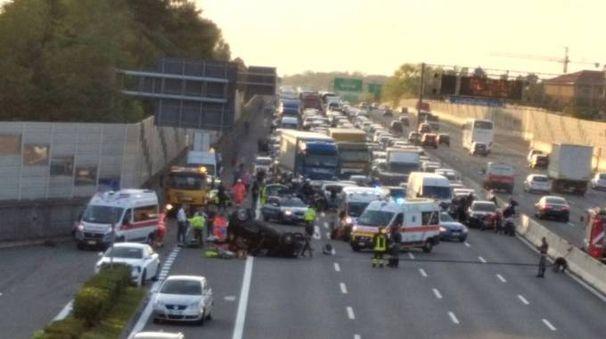 Incidente in autostrada a Lainate