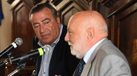 Domenico De Masi e Francesco Carrassi (direttore de La Nazione) ad Assisi: dialogo sull'«Economia del dono»