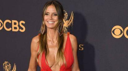 Emmy, da Heidi Klum a Michelle Pfeiffer: scollature e trasparenze