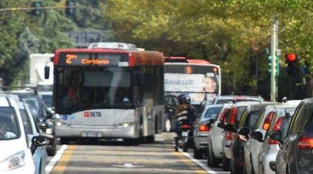 Un autobus di Seta in circonvallazione