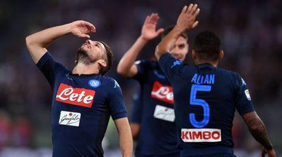 Mertens del Napoli festeggia la vittoria sulla Lazio (Afp)