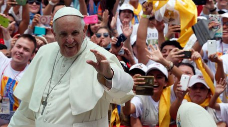 Papa Francesco sarà atteso a Bologna da una grande folla (foto d'archivio Reuters)