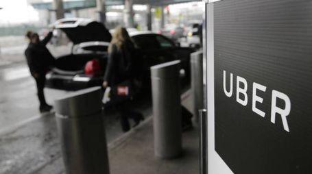Uber, da Londra stop alla licenza (Ansa)