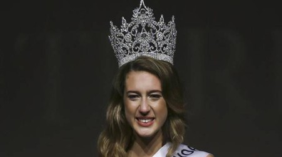 Miss Turchia perde la corona, punita per un tweet / FOTO