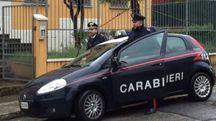 Una pattuglia dei carabinieri di Mondolfo davanti alla caserma