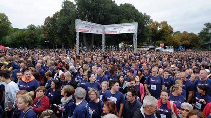 """La folla di """"Corri la vita"""" (Cabras/New Pressphoto)"""