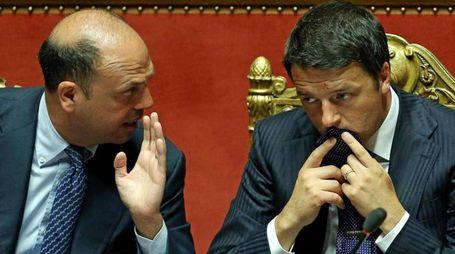 Alfano e Renzi in Senato (Ansa)