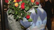 Un venditore di rose (Foto d'archivio)