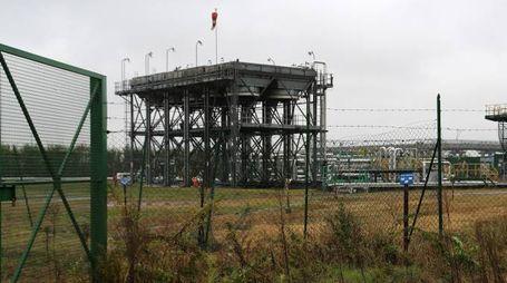 STUDIO SALLY Novara - Industria petrolifera nel novarese nella foto il pozzo petrolifero TR24 a Trecate dove avvenne l'incidente nel febbraio del 1994 foto Marta Sampietro - Studio Sally