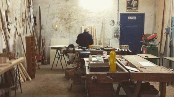L'interno del laboratorio della bottega Michelangeli