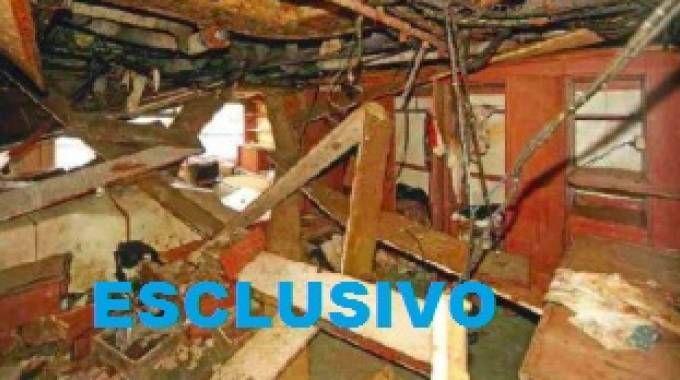 L'interno della Concordia distrutto: la cabina di Schettino