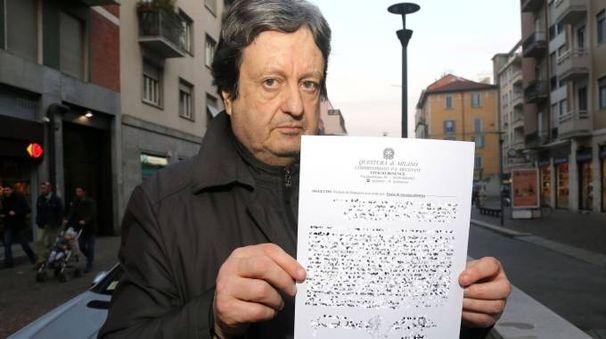 Gianfranco Balzi con una delle denunce