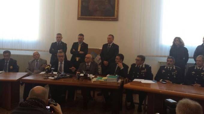 La conferenza stampa sul maxi blitz nella Procura di Bologna