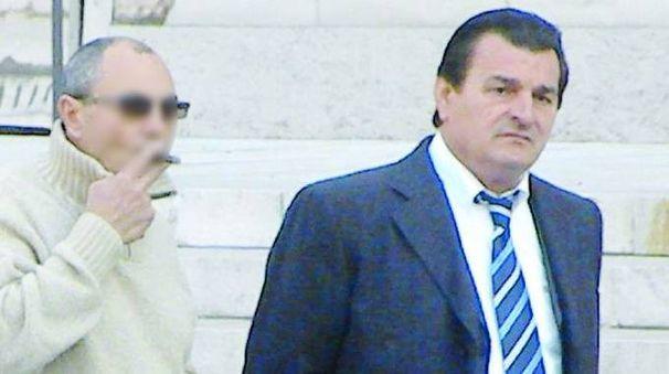 A destra, Nicolino Grande Aracri, boss di Cutro