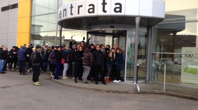 Divani a 5 euro tutti in fila da ricci casa cronaca - Ricci casa modena ...