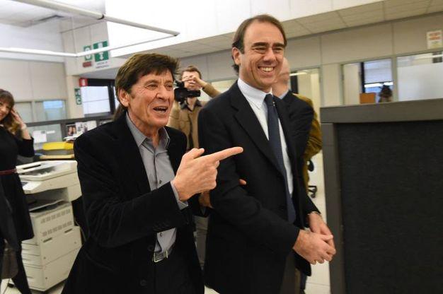 Gianni Morandi con il direttore di Qn e il Resto del Carlino Andrea Cangini
