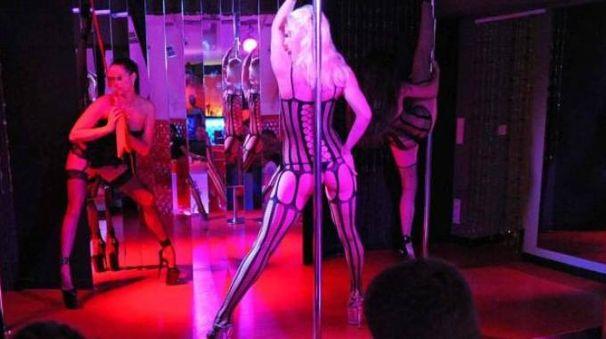 Foto ragazze nude night club pic 20