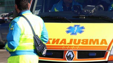 E' intervenuta un'ambulanza della Croce Azzurra (foto di repertorio)