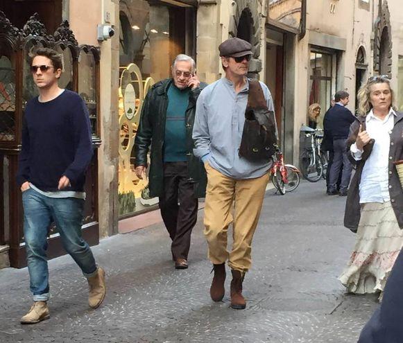 Jeremy Irons in giro per la città (foto Alcide)