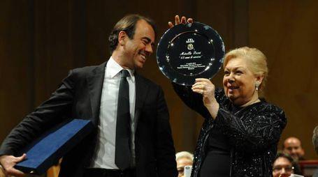 Il soprano Mirella Freni e il direttore di Qn e il Resto del Carlino, Andrea Cangini (Foto Fiocchi)