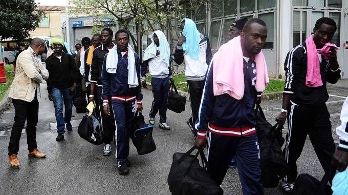 Alcuni dei profughi arrivati a Ferrara (Businesspress)
