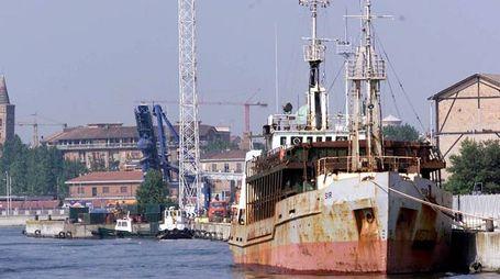 Un'immagine del porto di Ravenna