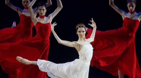 Svetlana Zakharova, già ammirata l'anno scorso al Pala De André