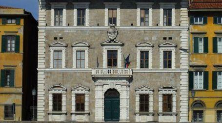 L'esterno del rettorato dell'università di Pisa (Valtriani)