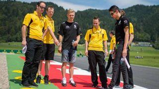 F1: Austria, tifoso sventolerà bandiera scacchi, prima volta