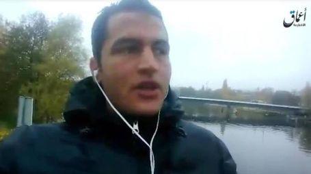 Il tunisino Anis Amri, autore dell'attentato di Berlino (Ansa)