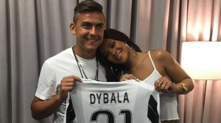 Dybala e gli auguri social a Rihanna