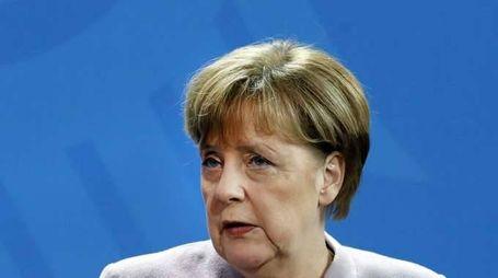 Merkel, misure più dure su espulsioni