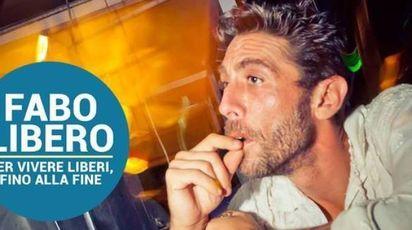 Un'immagine di dj Fabo dal profilo Facebook dell'Associazione Luca Coscioni