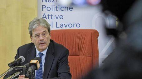 Paolo Gentiloni ad Avellino (Ansa)