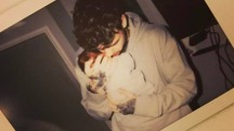 Liam Payne tiene in braccio il suo primogenito