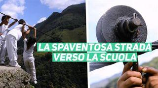 Isolati in Colombia, l'unica strada è un cavo sospeso