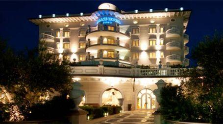 Il Palace Hotel di Milano Marittima che ospiterà la serata del  Premio