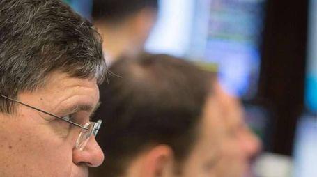 Borsa: Europa apre in cauto rialzo