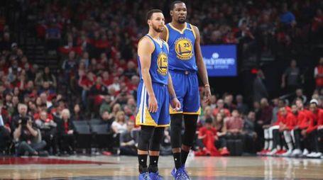 Stephen Curry e Kevin Durant (LaPresse)