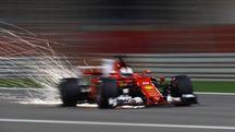Sebastian Vettel sulla pista di Sakhir (LaPresse)
