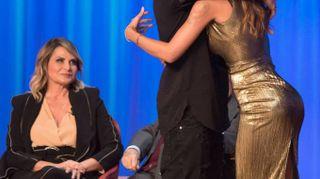 Belen al Maurizio Costanzo Show, complicità con Iannone