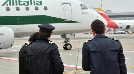 Alitalia, due piloti in partenza (Ansa)