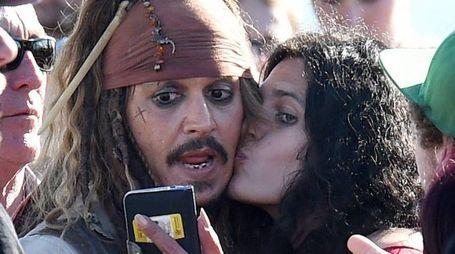 Johnny Depp a Disneyland (Ansa)