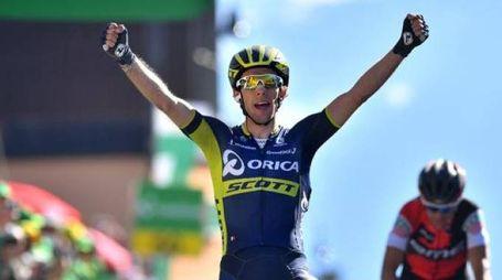 Simon Yates salta facile Porte e va a vincere a Leysin (Tim De Waele)