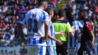 Cagliari-Pescara, insulti razzisti e Muntari lascia il campo