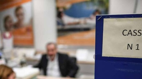 Bankitalia: -1000 sportelli banche 2016